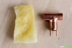 No more wax residues: With this self-made wax eater you will receive a … - Decorations for Home Diy Wax, Diy Tutorial, Really Cool Stuff, Helpful Hints, Diy And Crafts, Wall Lights, Diy Projects, Candles, Inspiration