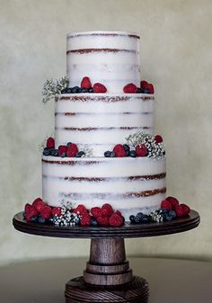 Three tier wedding cake by PPHG pastry chef Jessica Grossman | The River House at Lowndes Grove Plantation | Photo by Art of Roxy