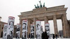 Berlino celebra la diversità e ricorda il passato