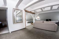 białe mieszkanie na poddaszu www.studiotf.pl