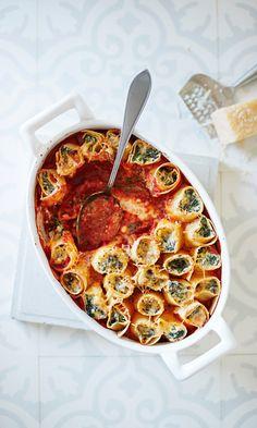 Pinaatti-ricottauunipasta | Maku Ricotta Pasta, Just Eat It, Ratatouille, Food Inspiration, Chili, Bakery, Goodies, Food And Drink, Soup