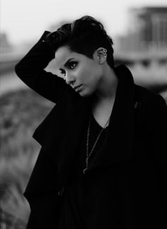 Vicci Martinez is a little lady with a whole lot of soul.She will speak and sing at TedXTacoma on Feb. By Lauren Foster Pretty People, Beautiful People, Beautiful Women, Vicci Martinez, Androgynous Models, Androgyny, Short Styles, Orange Is The New Black, Movies