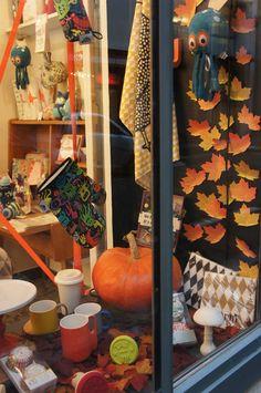 Vitrine d'automne Les Cocottes en Papier - 7 rue Fourcroy - Paris