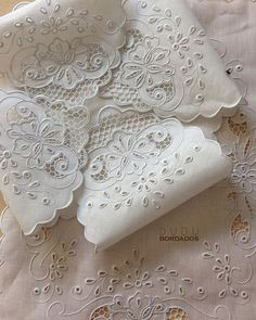 Cutwork Embroidery, Types Of Embroidery, Hand Embroidery Patterns, White Embroidery, Vintage Embroidery, Embroidery Stitches, Machine Embroidery, Embroidery Designs, Lace Bedding