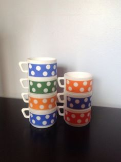 Lot de 7 tasses Arcopal 70's