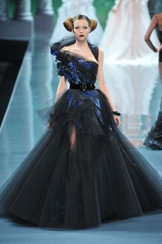 Christian Dior Fall 2008 Couture - Collection - Gallery - Look 41 - Style.com