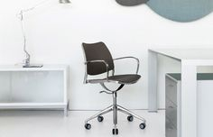 Gas task chair from STUA