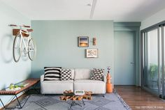 Design-filled home. A modern apartment with fun colors and amazing pieces of Brazilian design. (in Portuguese) Interior Styling, Interior Decorating, Interior Design, Decorating Ideas, Decor Ideas, Ideal Home, My Living Room, Wall Colors, Sweet Home