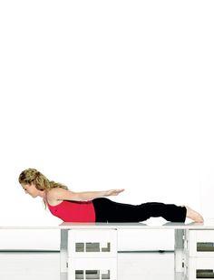 Slip af med tantepuklen: 4 øvelser til at træne den væk | Femina Daily Exercise Routines, Fitness Routines, Physical Fitness, Yoga Fitness, Health Fitness, Benefits Of Exercise, Health Resources, Senior Fitness, Regular Exercise