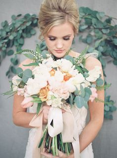 Glamorous Blush, Peach and Emerald Wedding Ideas | Wedding Sparrow | Alicia Lacey Photography