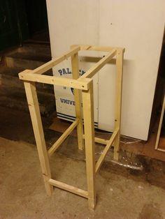 Konstrukce pro stůl na pilu.