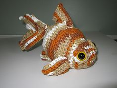 Make It: Crochet Goldfish - Free Pattern #crochet #free #amigurumi #ravelry