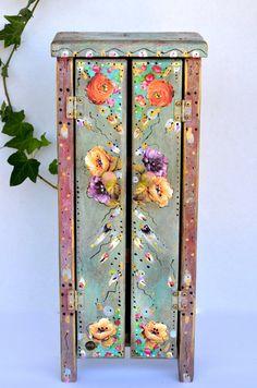 Boho en bois debout armoire mexicaine Cottage par OliviabyDesign