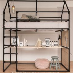 Loft bed with desk made of black scaffolding tube and black tube connections. - Loft bed with desk made of black scaffolding tube and black tube connections. Girl Room, Loft Bed, Industrial Loft Beds, Room Design, Home, Bedroom Design, Boys Bedrooms, Baby Furniture Sets, House Beds