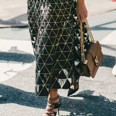 Chic Geometry: Valentino triangle pattern skirt. Street Style.