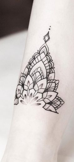 Mandala tattoo design ideas that are anything but basic. These mandala designs aren't just beautiful -- a mandala tattoo's meaning is also significant. Mandala Tattoo Design, Butterfly Mandala Tattoo, Dotwork Tattoo Mandala, Mandala Tattoo Meaning, Henna Tattoo Designs, Tattoo Ideas, Geometric Mandala Tattoo, Anklet Tattoos, Wrist Tattoos