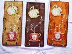 Porta xícaras-Cantinho do Café IX | Artesanatos Nossa Canaã | Elo7 Diy Crafts For Gifts, Crafts To Make And Sell, Diy Furniture Projects, Diy Wood Projects, Diy Bed Frame, Wood Scraps, Pallet Painting, Vintage Wood, Unique Art