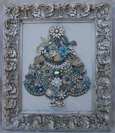 The little bird is so cute. Jeweled Christmas Trees, Christmas Tree Art, Christmas Frames, Christmas Jewelry, Christmas Items, Vintage Christmas, Christmas Ornaments, Costume Jewelry Crafts, Vintage Jewelry Crafts