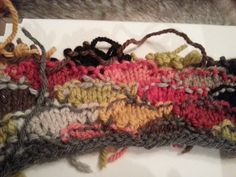 Mein Plan ist eine Strickjacke von Prada. Nicht ganz Strick, die Ärmel bestehen aus einem Webpelz. Prada, ein Familienunternehme...