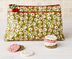 Sewing pattern: DIY beauty bag tutorial - Mollie Makes Sewing Hacks, Sewing Tutorials, Sewing Patterns, Tutorial Sewing, Mollie Makes, Fabric Crafts, Sewing Crafts, Sewing Projects, Diy Sac