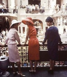 Christian-Dior-in-Moscow-June-1959