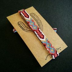 New key-pattern woven friendship bracelet
