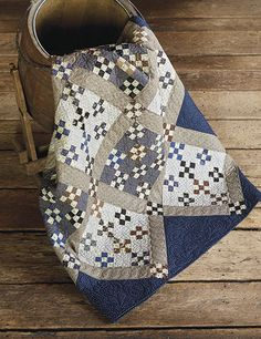 This unique summer quilts is seriously a striking style philosophy. 16 Patch Quilt, Strip Quilts, Blue Quilts, Small Quilts, Quilt Blocks, White Quilts, Amish Quilts, Scrappy Quilts, Denim Quilts