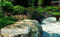 I like the boulder seating Stone Bench, Landscape Designs, Enjoy It, Bouldering, Design Crafts, Landscaping Ideas, Beautiful Flowers, Sidewalk, House Ideas