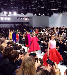 Fashion Week Paris 2014 The #Dior finale #Diorlive #PFW pic.twitter.com/vb7FpgUUyo