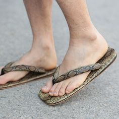 Venta caliente de Los Hombres Zuecos Zapatillas De Madera Zapatos Planos Negros Hombres Geta Japonés Cosplay Sandalias Zapatos Hombre Tamaño 41-44