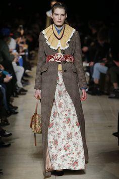 Miu Miu Fall 2016 Ready-to-Wear Fashion Show   http://theclosetfeminist.ca/  http://www.vogue.com/fashion-shows/fall-2016-ready-to-wear/miu-miu/slideshow/collection#25
