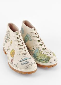 DOGO shoes http://www.dogostore.com/en/category/Shoes-43/MsDogo-44/Bootz-47/product-4224-cupbag-Balloon