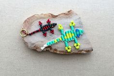 How to Make a Beaded Gecko Lizard Keychain Cute Crafts, Creative Crafts, Diy Crafts For Kids, Vbs Crafts, Bracelet Knots, Beaded Wrap Bracelets, Making Bracelets, Jewelry Knots, Necklaces