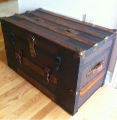 Toronto: STEAMER TRUNK - COMPACT COFFEE TABLE $295 - http://furnishlyst.com/listings/843461