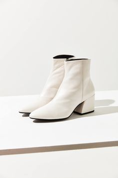 Shop Vagabond Shoemakers Olivia Leather Boot at Urban Outfitters today. We carry all the latest styles, colors and brands for you to choose from right here. White Leather Boots, White Ankle Boots, Lace Up Boots, Knee High Boots, Over The Knee Boots, High Heels, Black Boots, Top Shoes, Fashion Boots