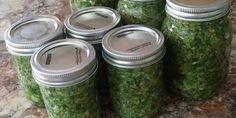 Recette :Herbes salées de maman. Marinade Sauce, Olive Gardens, Seasoning Mixes, Base, Vinaigrette, Food Inspiration, Cucumber, Mason Jars, Herbs