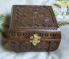Wooden walnut jewelry box by HappyFlying