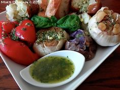 Mias Domain | Rustic Modern Cuisine: Roasted Garlic Basil Dipping Oil Best Gluten Free Recipes, Real Food Recipes, Healthy Recipes, Appetizer Dips, Appetizer Recipes, Healthy Foods To Eat, Healthy Eating, Gluten Free Kitchen, Veggie Side Dishes