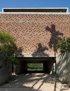 palinda kannangara frames tropical views inside architect's studio dwelling in sri lanka