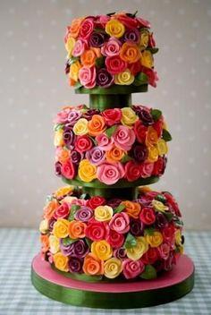 Voici 15 gâteaux d'anniversaire extraordinaires : le gâteau « Moi, moche et méchant » est adorable !