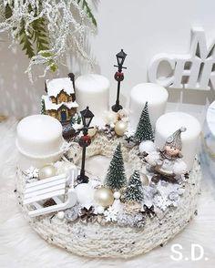 Rose Gold Christmas Decorations, Christmas Advent Wreath, Christmas Candles, Christmas Centerpieces, Rustic Christmas, Xmas Decorations, Christmas Crafts, Advent Wreaths, Reindeer Christmas