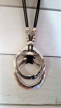 collar de cuero de mujer anillo sin fin contraparte de la