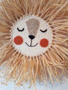 Crochet Lion, Crochet Baby, Baby Decor, Nursery Decor, Lion Nursery, Arts And Crafts, Diy Crafts, Animal Heads, Toddler Gifts