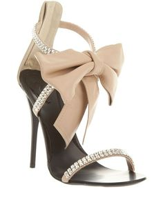 Giuseppe Zanotti - this is some shoe!!! Bow & a little bit of Bling ♥