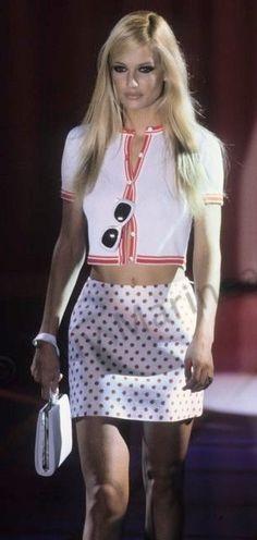 Karen Mulder - Atelier Versace 1995