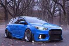 We're not sure what to make of this haha. #ford #focus #fordfocus #focusrs #rsdirect #carporn #rs #rsoc #rsfocus #rsowner #blueoval #fordmotorcompany #rsford #focusrsoc #fastford #performanceford #hoonigan #rallye #rallysport #kenblock