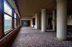 Green Valley Hotel by David Van Bael