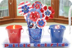 Fourth of July flowers (craftionary feature) 4th Of July Celebration, 4th Of July Party, Fourth Of July, 4. Juli Party, July Flowers, Paper Flowers, Disney Frozen Party, July Crafts, Holiday Crafts