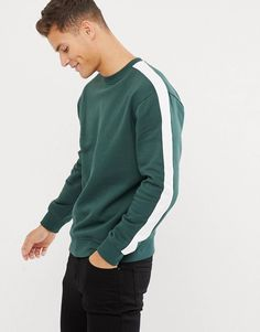 New Look sweat with side stripe in green at ASOS. Shop this season's must haves with multiple delivery and return options (Ts&Cs apply). Mens Polo T Shirts, Mens Sweatshirts, African Wear Styles For Men, Tee Shirt Designs, Mens Clothing Styles, Look Cool, Menswear, Asos, Winter Jackets