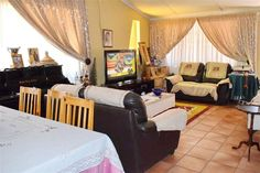3 Bed House in Claremont, This 3 bed, with a flatlet is situated in the nicer part of Pretoria West, it oozes a yard Private Property, Property For Sale, Capital R, Forest Hill, House Prices, Swimming Pools, The Neighbourhood, Home And Family, Lounge